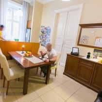 friends-hostel-budapest-classicwing-comonarea